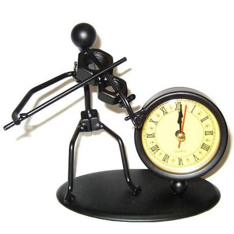 Violinist + clock